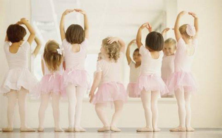 bambine che ballano